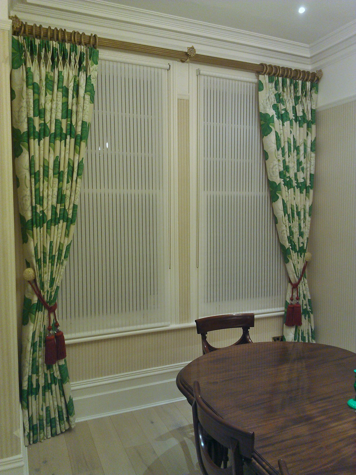K Amp K Curtains Ealing W5 Large Print Dining Room